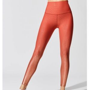 NWT Beyond Yoga Drip Dot Leggings!🌟